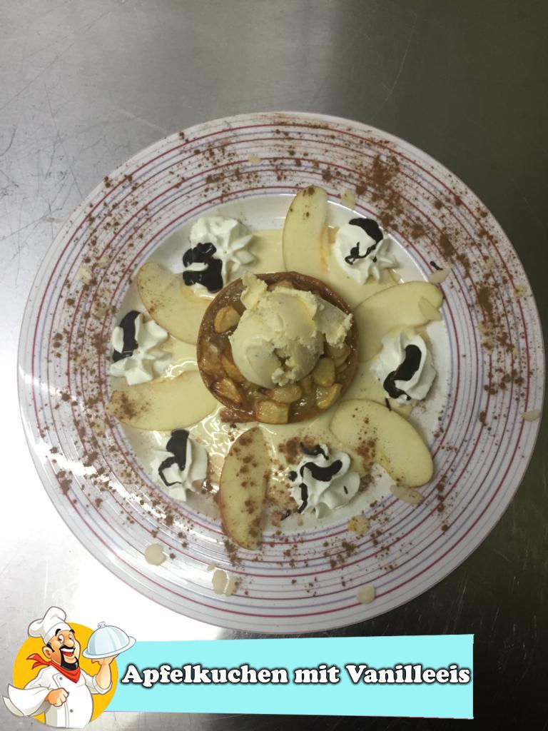 Apfelkuchen mit Vanilleeis-2